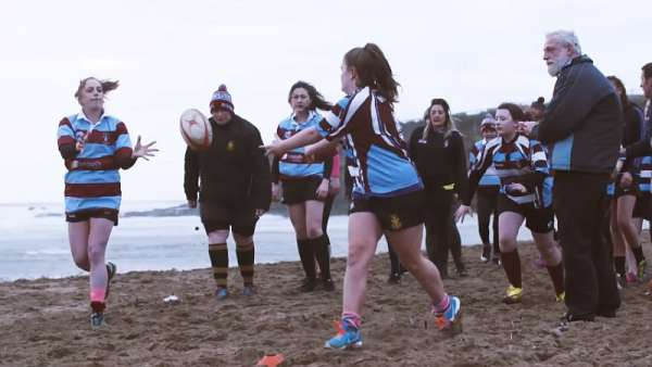 "Las Bude Ladies en ""This Is Rugby"""
